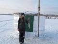 Первая рыба, пойманная в новом домике на льду Серменка - 2