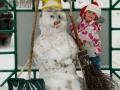 Первый снег, первый снеговик